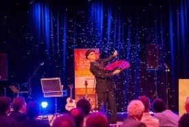 Glen Rhodes - Comedy Cabaret Magician The Gap, Queensland