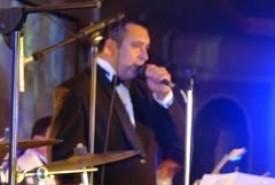 HANSEL ENRIQUEZ : SINGER /PIANIST - Male Singer