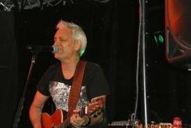 Chris Kern  - Guitar Singer