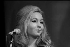 Lucy Morris  - Female Singer