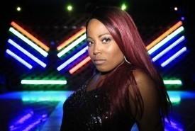 Victoria Queen - Female Singer