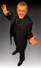 Cabaret Magician - Gary Flegal - The Charming Corporate Conjurer