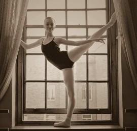Jana Rau - Ballet Dancer - Brussels, Belgium