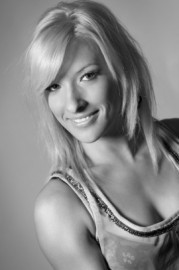 Emma Louise Baxter - Aerialist / Acrobat - Manchester, North West England