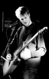 Brett Bradshaw - Acoustic Guitarist / Vocalist - Midlands