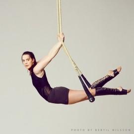 Jess O'Connor - Aerialist / Acrobat - Wales