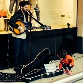 Dan McHale - Acoustic Guitarist / Vocalist - London