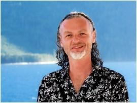 Igor Shvets - Acoustic Guitarist / Vocalist -