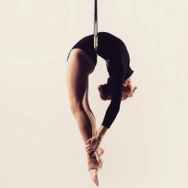 Victoria Grace - Aerialist / Acrobat - United Kingdom, London