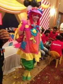 Miss Dolly - Balloon Modeller - Pune/Mumbai, India