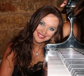 Anfisa Vitali - Pianist / Singer - UK, Greece
