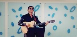 Anton  - Acoustic Guitarist / Vocalist - U.K., Cambridge