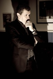 Mike Stoner - Professional Magician and Mind Reader - Close-up Magician - South East