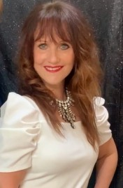 Lorre Brown - Female Singer - Sheffield, Yorkshire and the Humber