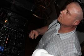 Ishu Deft - Party DJ - London