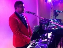 Simply Yours - Pianist / Singer - Middlesex, London