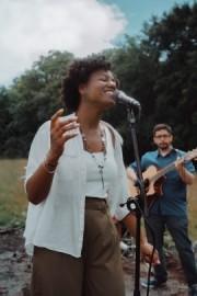 Roni Smith - Female Singer - South Harrow, London