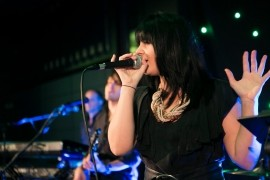 Amanda Canzurlo - Female Singer - perth, Western Australia