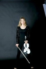Aleksandra - Violinist -