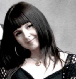 Joanne Louise - Guitar Singer - England, North of England