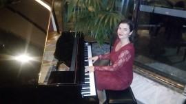 Mira - Pianist / Singer - Bulgaria