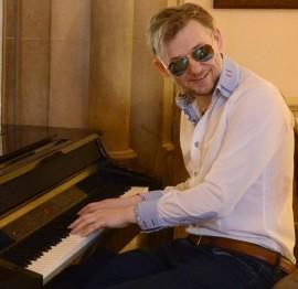CONTEMPORARY PIANIST - Pianist / Keyboardist - Darlington, North of England