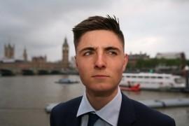 Tom Elderfield - Close-up Magician - London