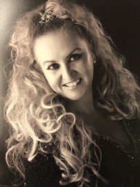 Claire Harvey-East - Female Singer - Swadlincote, Midlands