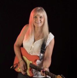 Rhiannon Rae - Guitar Singer - King's Lynn, East of England