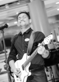 Bernard - Acoustic Guitarist / Vocalist -