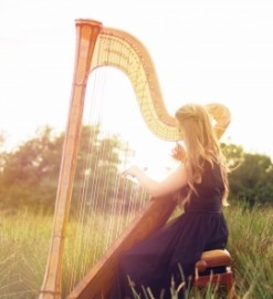 Lucy Nolan-harpist - Harpist - Derbyshire Hill, North West England