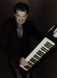 Pat Sinatra - Pianist / Singer - Edinburgh, Scotland