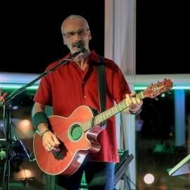 Ross A mcginnes - Guitar Singer - USA, New Hampshire