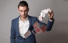 Max Allan | Corporate and Wedding Magician - Close-up Magician - 4159, Queensland