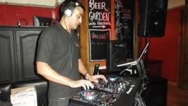DJ Mitz - Nightclub DJ - London, London