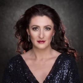 Valérie May - Female Singer - Nuremberg, Germany