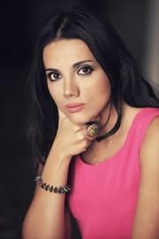 Seren Akyoldas - Female Singer - Italy