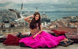 Modern turkish style belly dance - Belly Dancer -