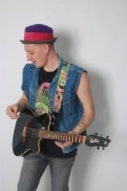 Alexander Colman - Acoustic Guitarist / Vocalist - Oxford, South East