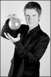 Ernesto Posse - Cabaret Magician - Buenos Aires, Argentina