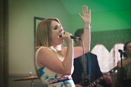 Laura Elizabeth  - Female Singer - Midlands