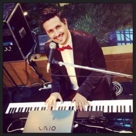 Franco Lorelli - Pianist / Singer - Italy