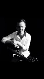 Paul Adams - Guitar Singer - Exeter, South West