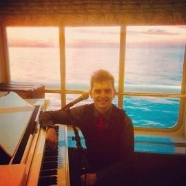 Alex Dennis - Pianist / Keyboardist - Milton Keynes, East of England