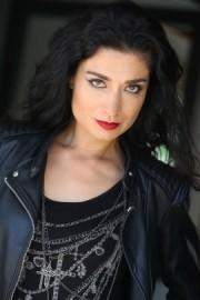 Liz Del Sol - Close-up Magician - California