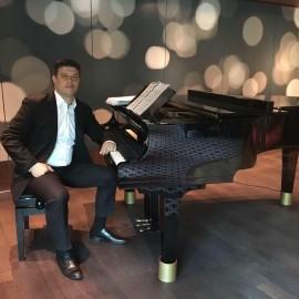 Luca Ovidiu Petru - Pianist / Keyboardist - Brasov, Romania