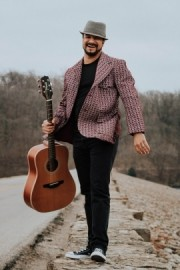 Noah Davis - Acoustic Guitarist / Vocalist - Kansas City, Kansas