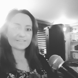Lizzie Hales - Female Singer - Hampshire, South East
