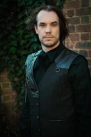 Darren McQuade - Close-up Magician - North Ockendon, London