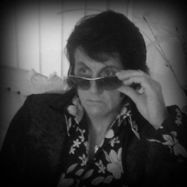 Rayaronking - Elvis Impersonator - Filey, North of England